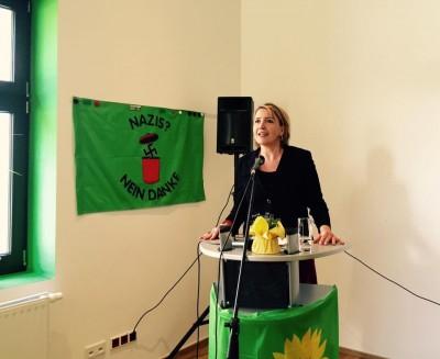 Bundesvorsitzende Simone Peter am Redepult